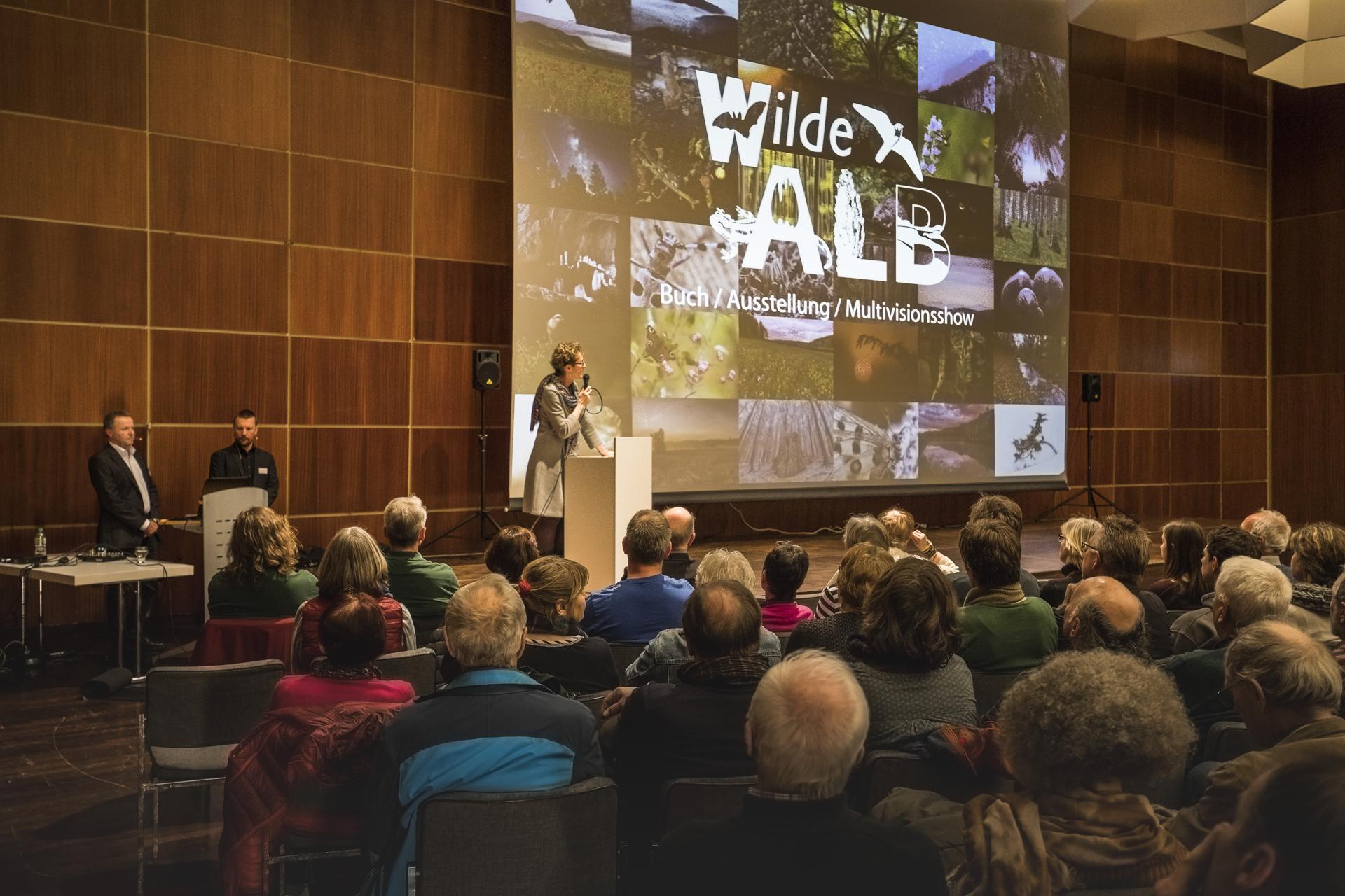 Kulturbürgermeisterin Iris Mann bei der Eröffnung (Foto: G. Schenk)